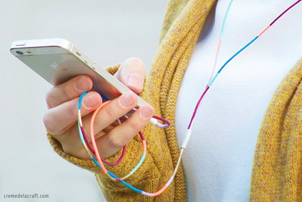 Add Glamour by Painting Variety of Nail Polish Colors onto Your Headphones