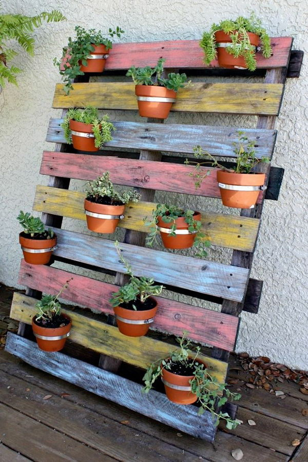 Vertical Terra Cotta Pot Pallet Planter