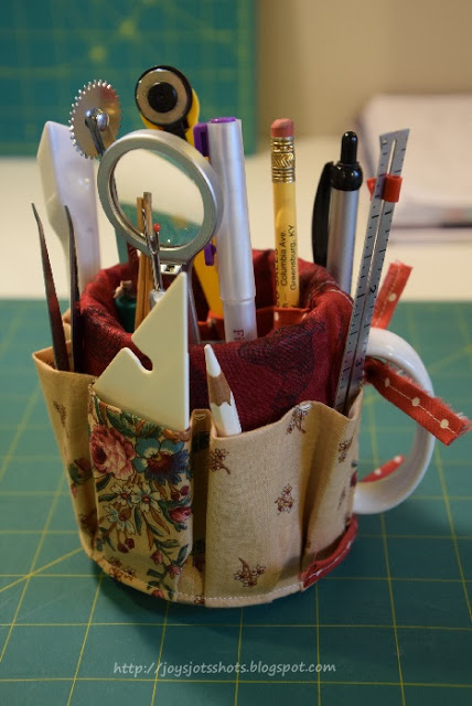 Functional Mug Organizer. Dress up my pencil jar with this creative and easy to do idea. See the directions