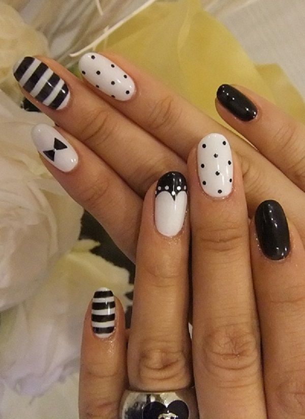 Beautiful Stripes and Dots Accent Nail Art.