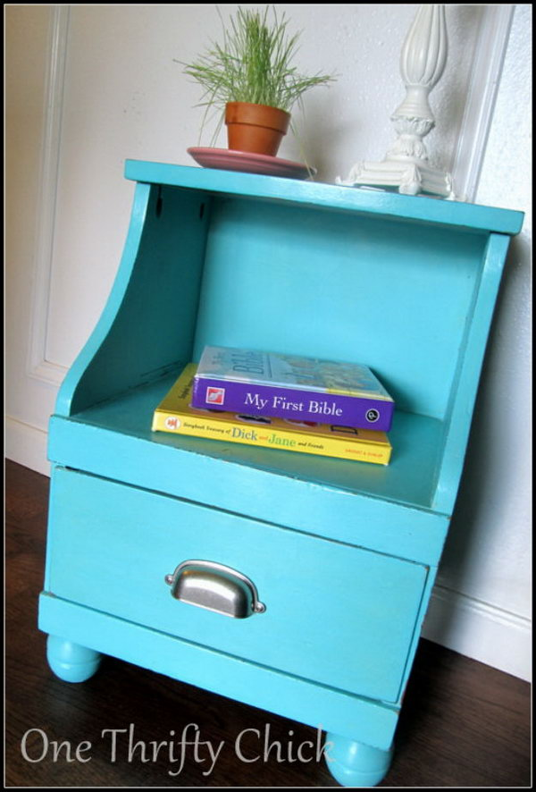 DIY Chalk Paint Nightstand Makeover