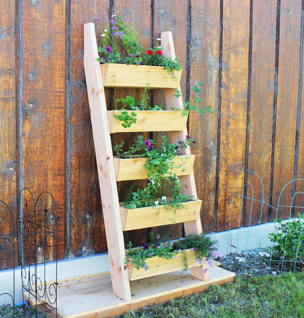 Cedar Vertical Tiered Ladder Garden Planter.