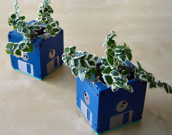 DIY Floppy Disk Planter. Get the instruction