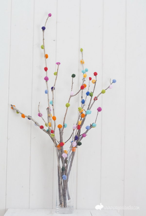 DIY Pom Pom Tree. Check out the tutorial