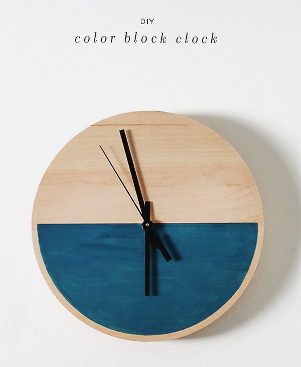 DIY Wooden Clock. Get the tutorial