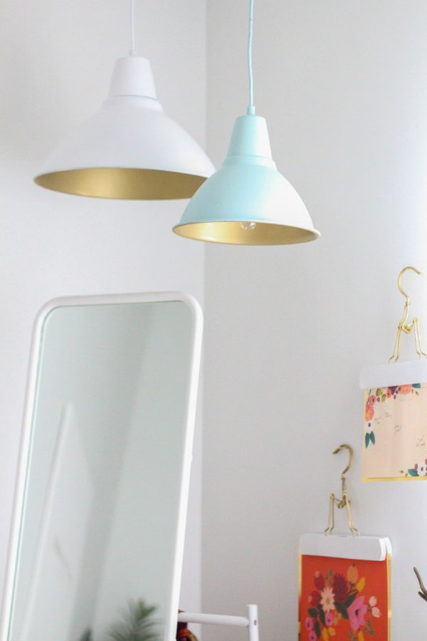 DIY Pendant Lamps with Shades of Gold. Get the tutorial