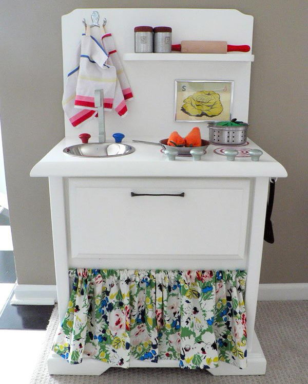 25 DIY Play Kitchen Ideas & Tutorials
