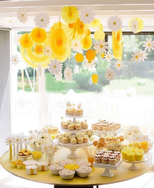 Daisy Inspired Dessert Display.