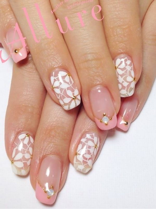 Snowflakes Wedding Nails.