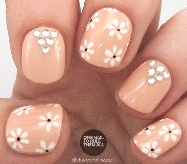 Wedding Nail with Flowers and Bling. Get the tutorial