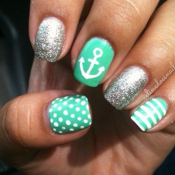 Green and Sliver Glitter Anchor Manicure.
