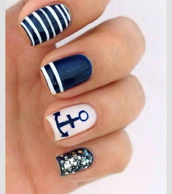 Anchor and Glitter Nautical Manicure.