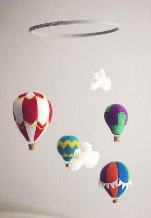 Felt Hot Air Balloon Mobile. Check out the tutorial