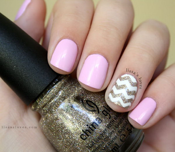 White and Gold Glitter Chevron Nails.