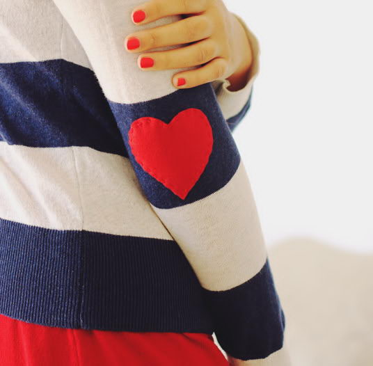 DIY Felt Heart Elbow Patches. See the tutorial