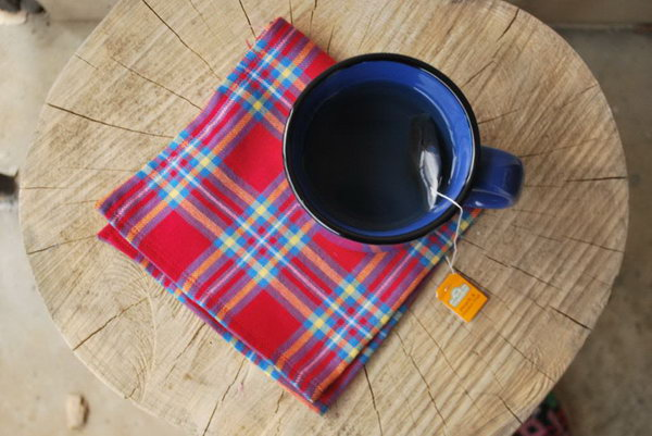 DIY Flannel Napkins. See how to make it