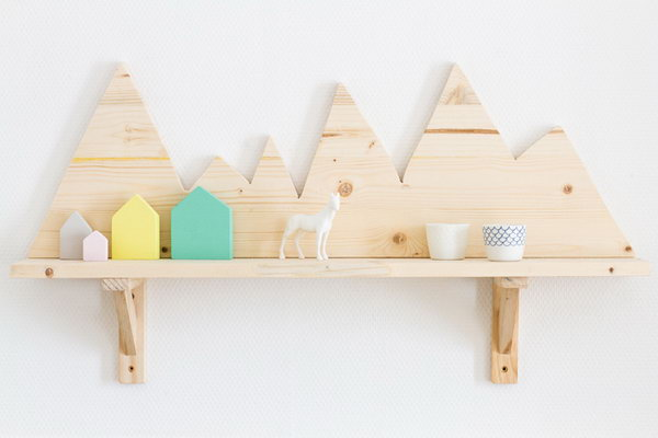 DIY Mountain Wall Shelf. Get the tutotrial