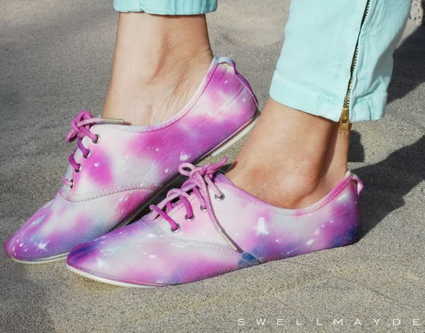 DIY Tie Dye Galaxy Shoe. Check out the tutorial