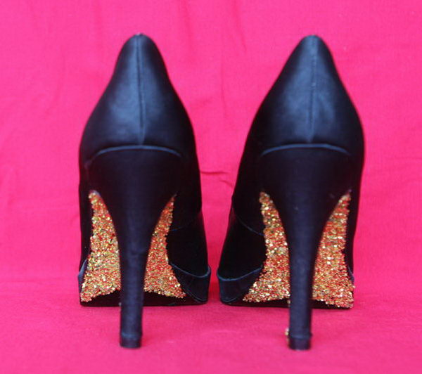 DIY Sparkle Glitter Heels. Get the tutorial