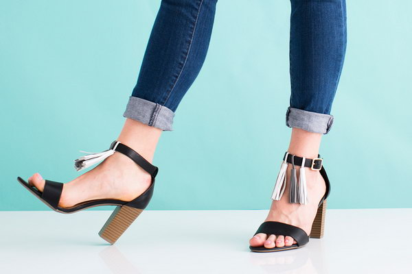 DIY Leather Sandals. Get the directions