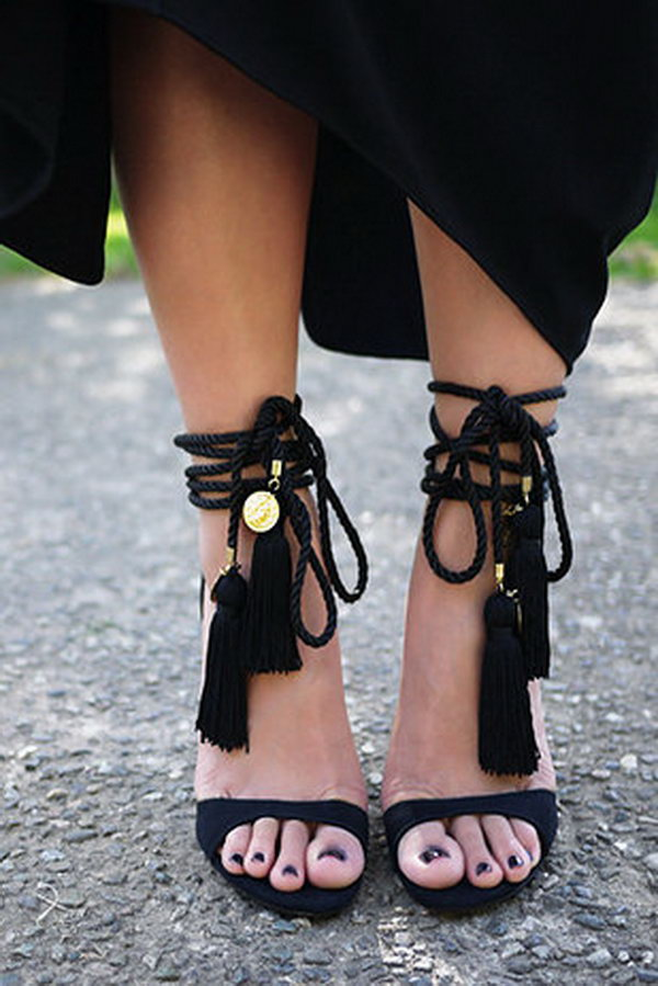 DIY Tassel Heels Just Using Some Tassels and Rope. See the directions