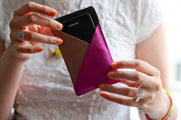 Geometric Leather Phone Case Pouch. See the tutorial