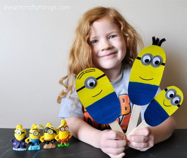 Minions Stick Puppets. Check out the tutorial