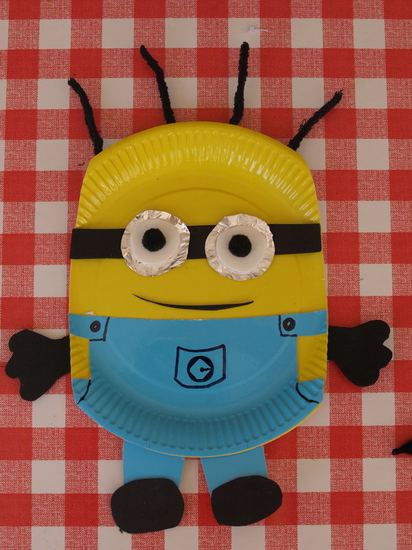 Paper Plate Minions. Get the steps