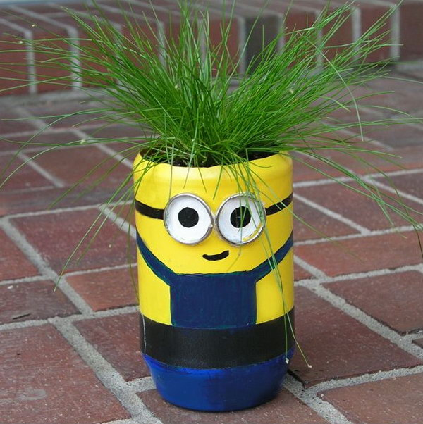 DIY Minion Planter. Get the tutorial