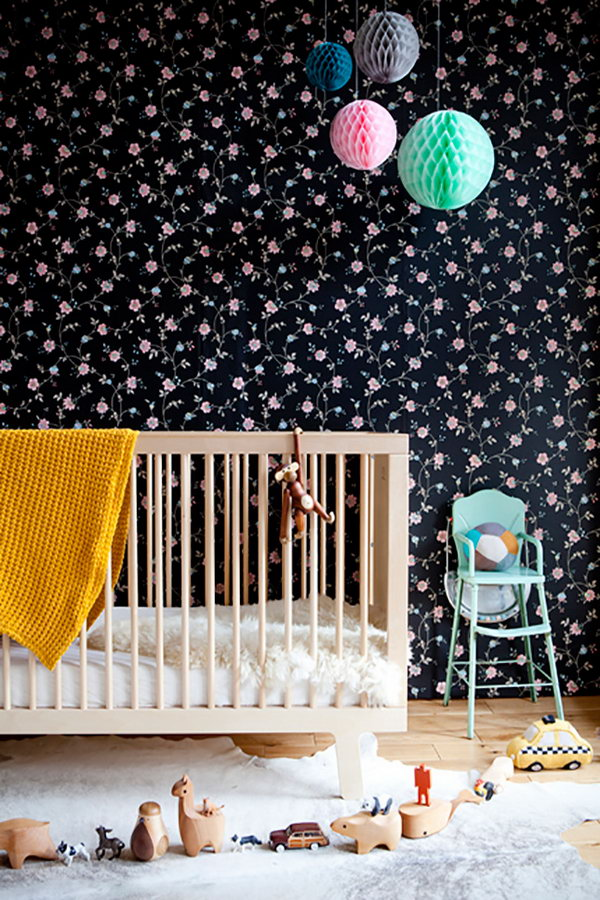 Floral Wallpaper for Nursery.