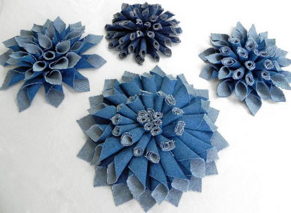 DIY Denim Fabric Flowers. See how to make some