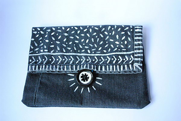 Recycled Denim Pouch. Get the steps
