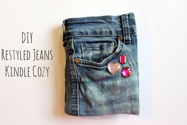 DIY No Sew Recycled Jeans Kindle Cozy. See how