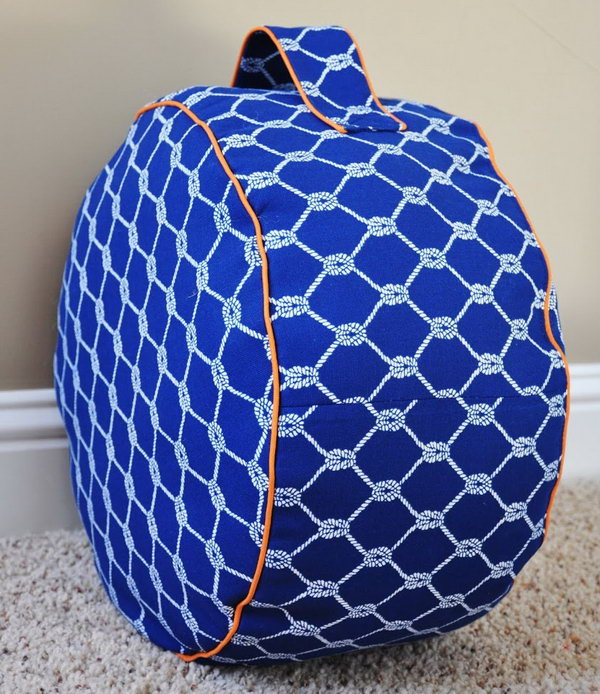 30 diy ottoman floor pouf projects awesome tutorials ideas for your cozy room noted list. Black Bedroom Furniture Sets. Home Design Ideas