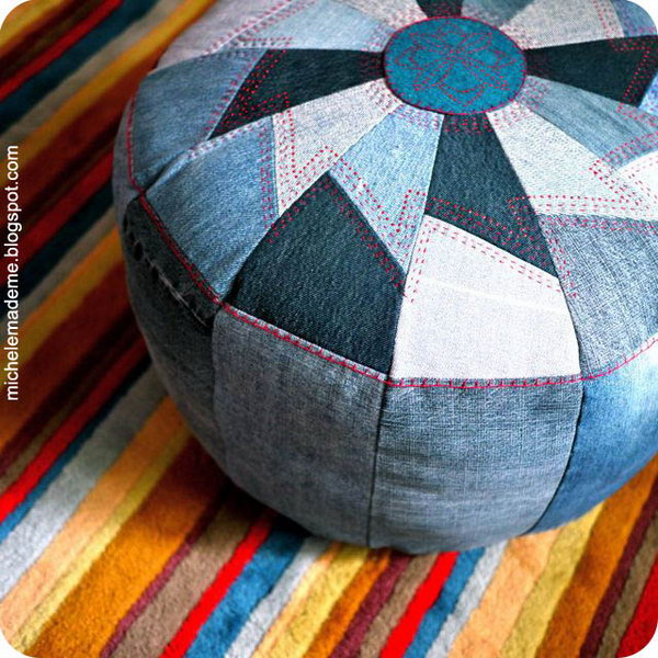 DIY Floor Pouf. Get the tutorial