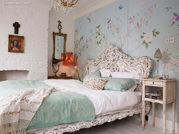 Floral Shabby Chic Bedroom.