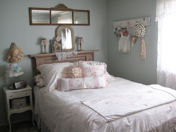 Feminine Shabby Chic Bedroom.