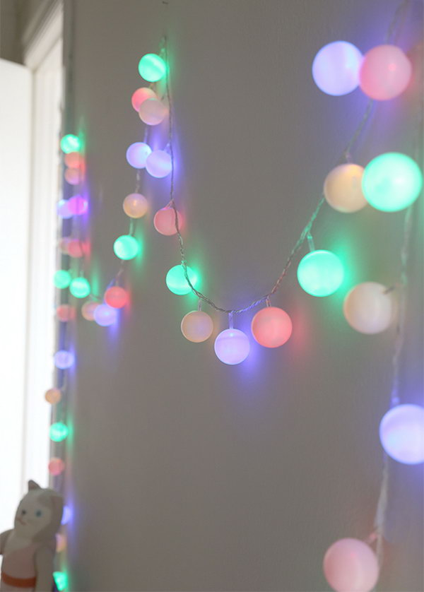 DIY Ping Pong Cafe Lights for Decoration. Get the tutorial
