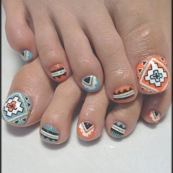 Tribal Inspired Toe Nails.