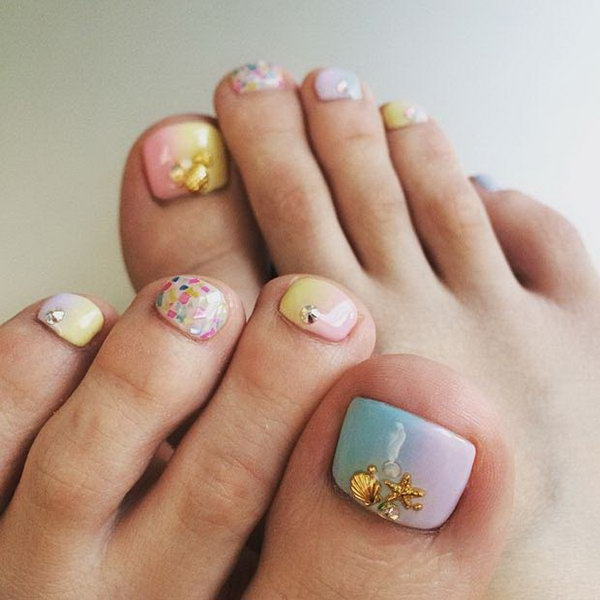 Pastel Beach Toe Nail Design.