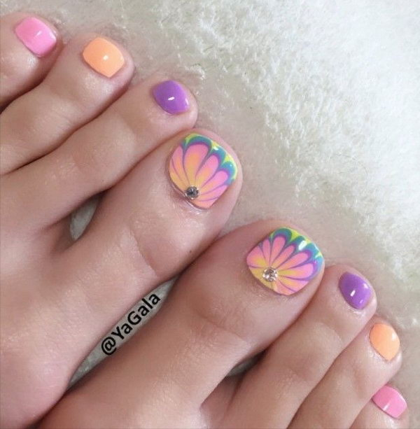 Beautiful Floral Toe Nail.