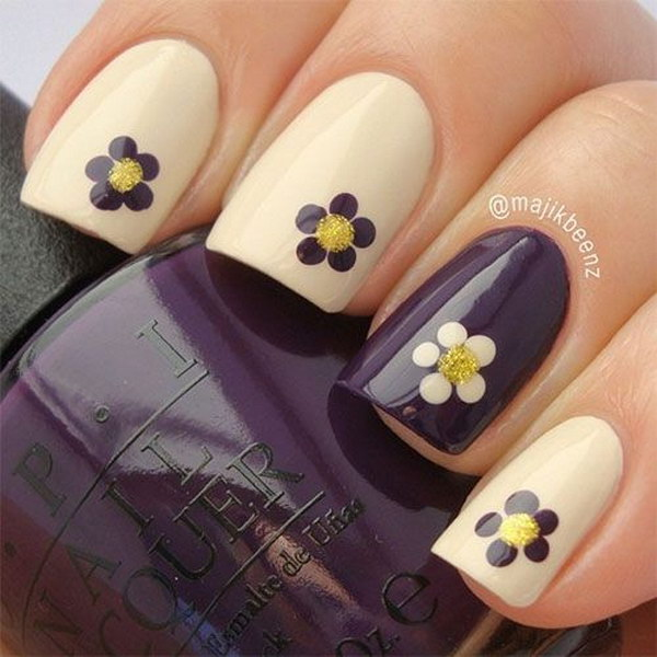 Simple Floral Fall Nail Design.