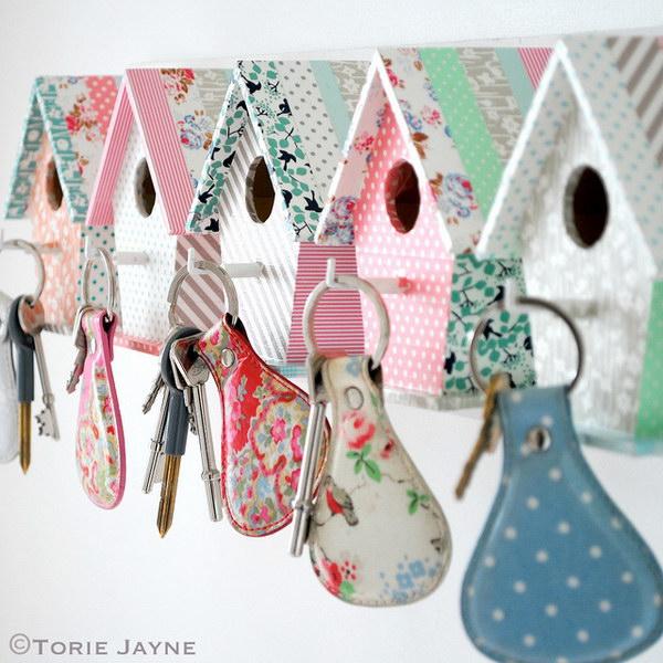 DIY Easy Bird House Key Hooks.