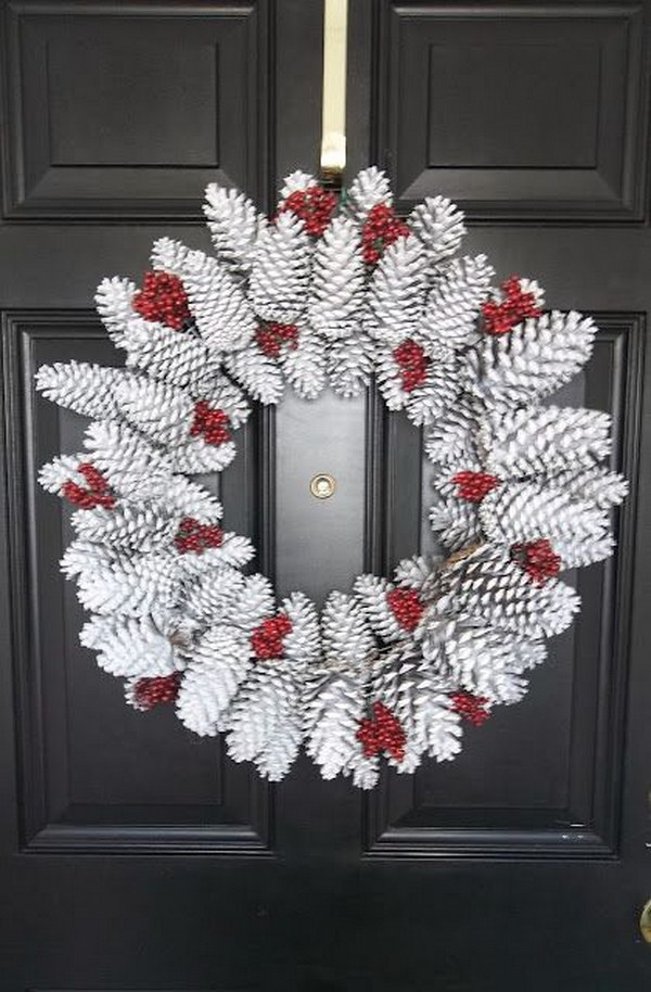 DIY Snowy Pinecone Wreath