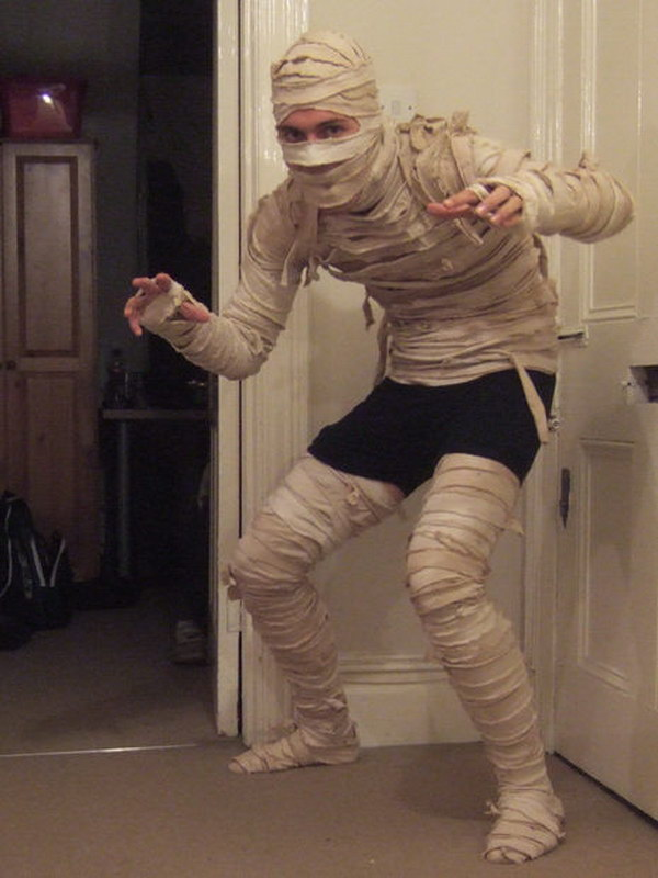 DIY Mummy Costume Tutorial