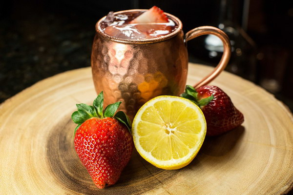 Old & Urban Moscow Mule Copper Mug. Great gifts for men with outstanding quality and look. They are also beautiful for display and perfect as a gift for weddings!