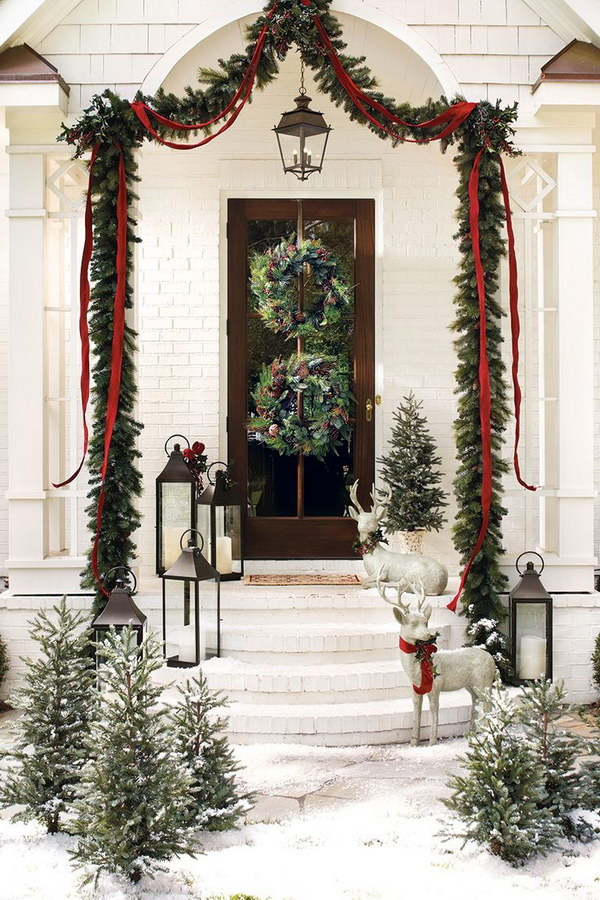20 most beautiful outdoor decoration ideas for christmas Outdoor christmas garland ideas