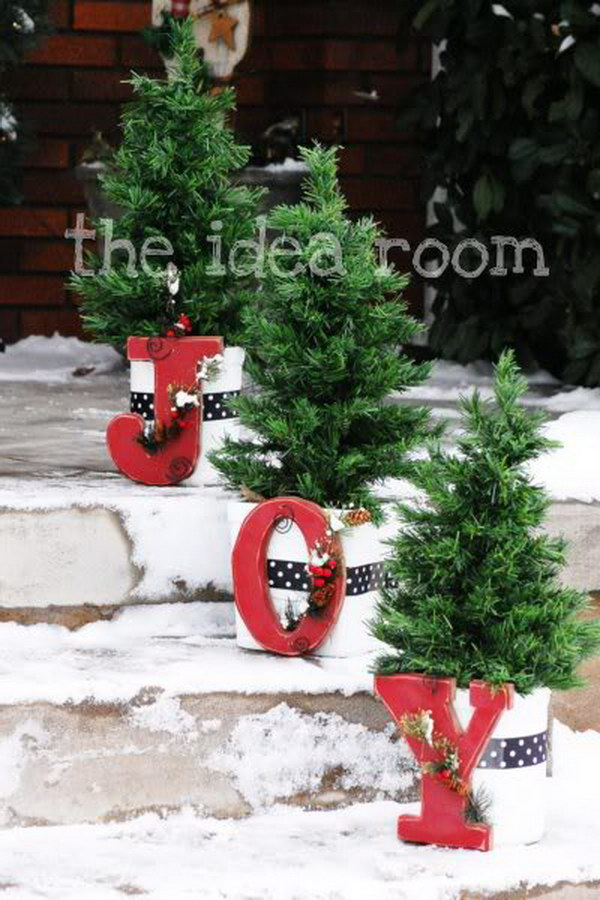 20 most beautiful outdoor decoration ideas for christmas for Decorating outdoor trees