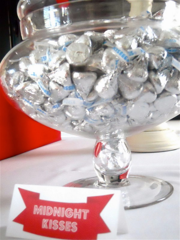Decorative Bowl Full of Midnight Kisses