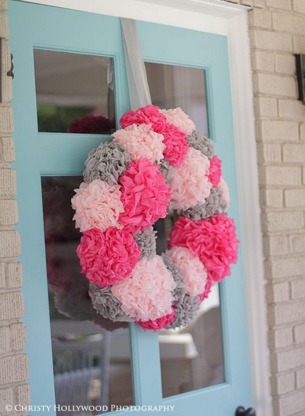 DIY Tissue Paper Pom Pom Wreath